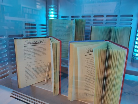 Innovative project: Cleaning of books with special machine in Rijeka City Library